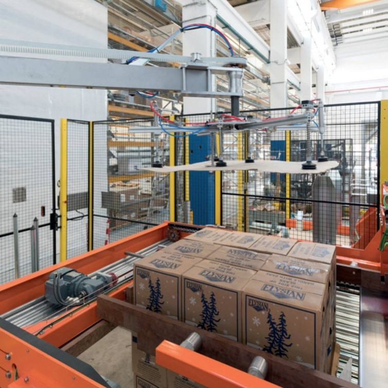 Linia produkcyjna - owijarki i paletyzatory opakowań zbiorczych