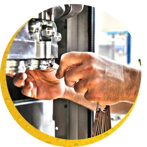 Serwis i wsparcie techniczne dla maszyn i linii produkcyjnych